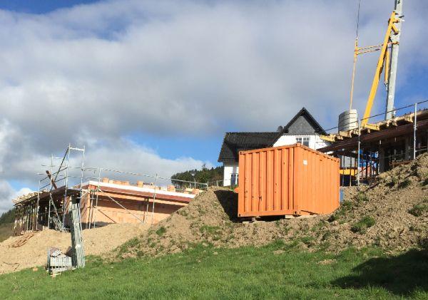 Oberkirchen, Am Sonnenhang, Maurerarbeiten bei  zwei Häusern
