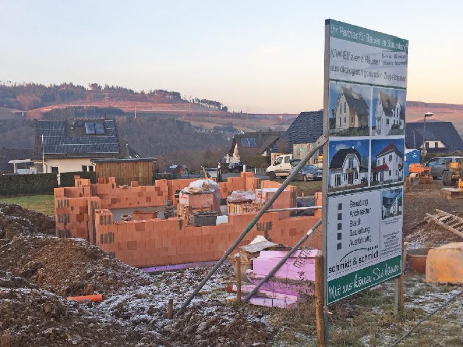 Betonierte Bodenplatte - Bestwig - Schimdt & Schmidt Immobilien
